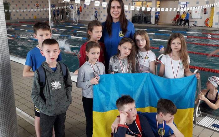 Сорок плавців гідно представили Тернопілля на міжнародному турнірі у Польщі