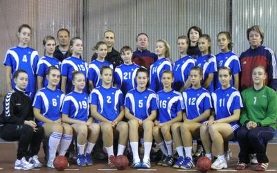 Юні тернопільські гандболістки привезли друге місце із Ужгорода