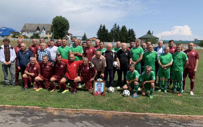 У Заліщиках вшанували пам'ять відомого футболіста та тренера Петра Дідика