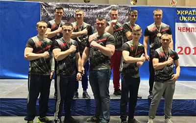 Легендарний чемпіон із Тернопільщини Андрій Пушкар готує собі молоду зміну
