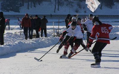 У Тернопіль повертається хокейний чемпіонат на озері