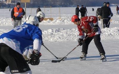 У Тернополі знову відбудуться хокейні змагання на озері