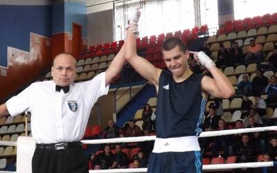Віктор Петров — володар кубка України з боксу