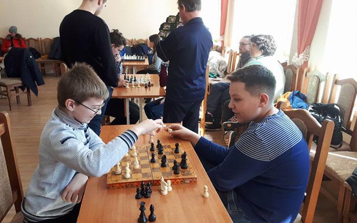 Школярі Чорткова позмагалися у шаховій майстерності