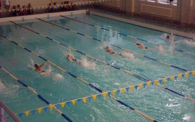 На чемпіонаті України з плавання Богдан Котляр виборов одну срібну і дві бронзових медалі