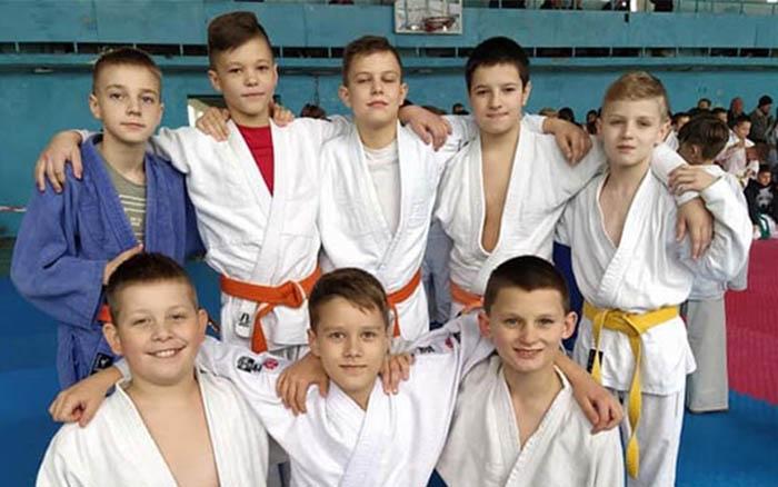 Юні тернопільські дзюдоїсти здобули в Івано-Франківську одну золоту, чотири срібних та одну бронзову нагороди