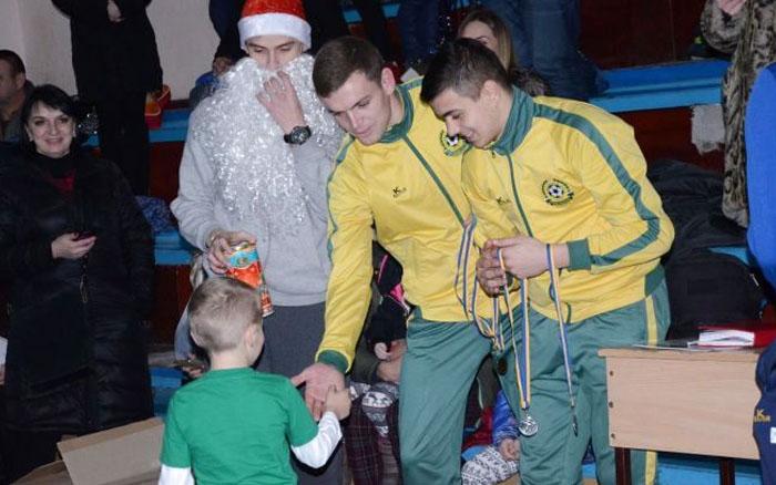 Наймолодші футболісти отримали призи від Миколая