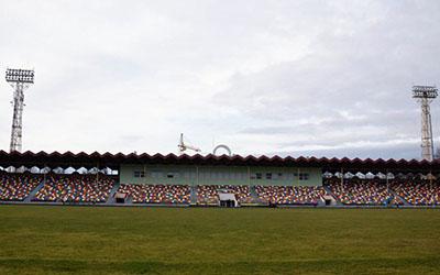 На центральному стадіоні міста замінили трав'яне покриття(ВІДЕО)