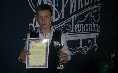 Левчик Дмитро переиожець чемпіонату Тернополя та області з вільної піраміди