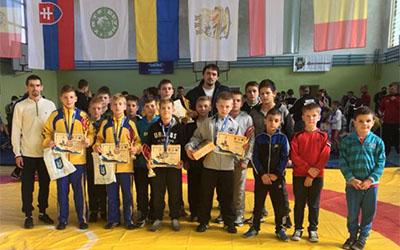 Вихованці тернопільської школи греко-римської боротьби привезли зі Стрия п'ять медалей