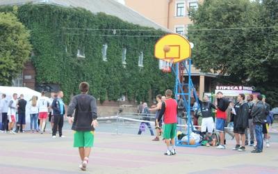 Другий міський турнір зі стрітболу провели у Тернополі