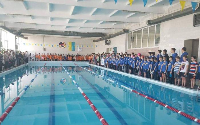 У Тернополі стартував Чемпіонат області з плавання серед юнаків та дівчат