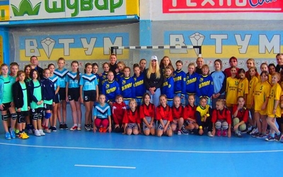 Негода завадила тернопільським гандболістками виступити на Всеукраїнському турнірі