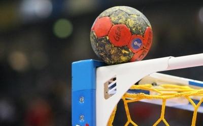 Судді вкрали перемогу у тернопільських гандболісток