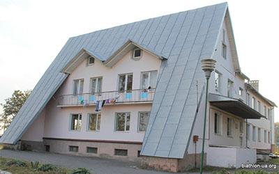 Кременецька СДЮШОР та біатлонна база