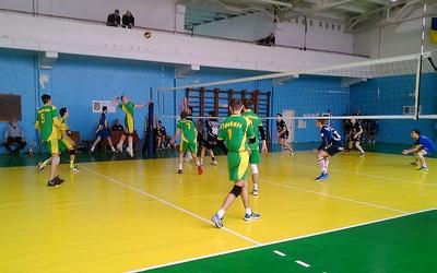 ХХІ Спортивні ігри школярів Тернопільщини з волейболу серед юнаків продовжуються