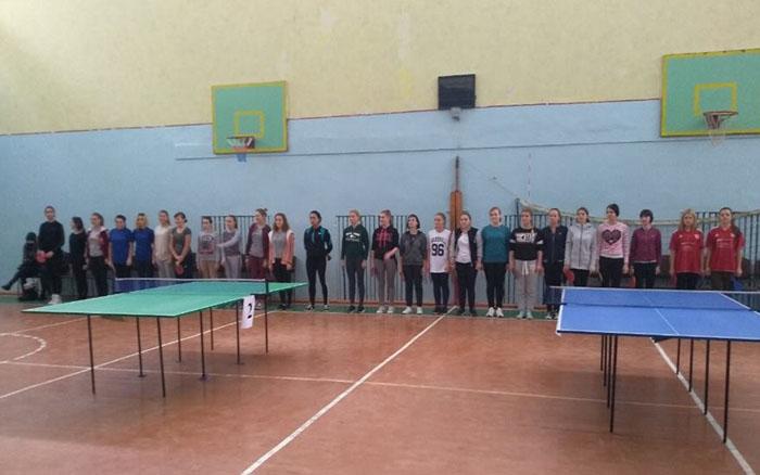 Учні Почаївського ВПУ та Тернопільського ВПУ сфери послуг та туризму найкращі в настільному тенісі