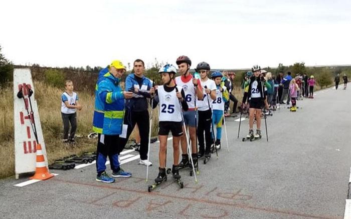 Поблизу Тернополя відбувся відкритий чемпіонат області з лижних гонок на лижеролерах