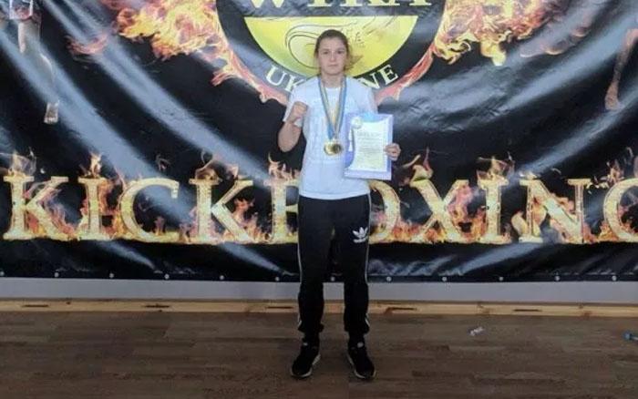 """Каріна Вовк здобула два """"золота"""" на престижних змаганнях з кікбоксингу у Дніпрі"""