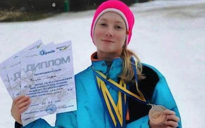 Тернополянка готується підкорити Карпати на сноуборді