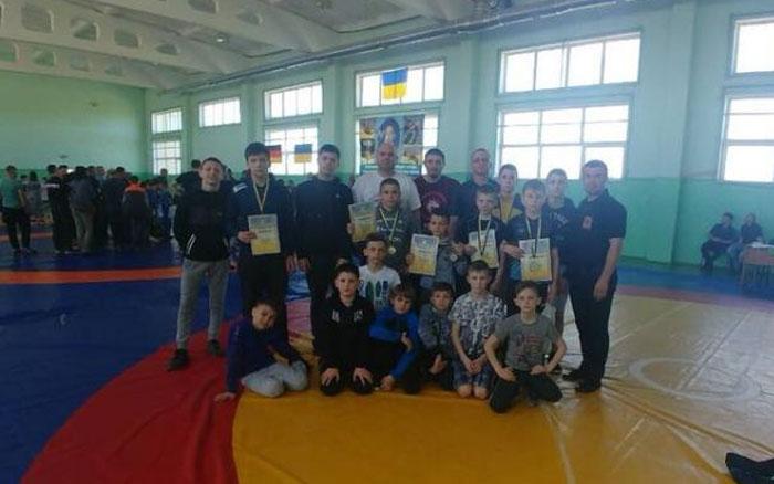 Тернопільські борці не втомлювалися виборювали перемоги на грандіозному всеукраїнському турнірі