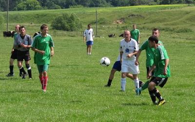 У футбольному чемпіонаті Тернопільського району лідирують Великі Бірки (+ ФОТО)