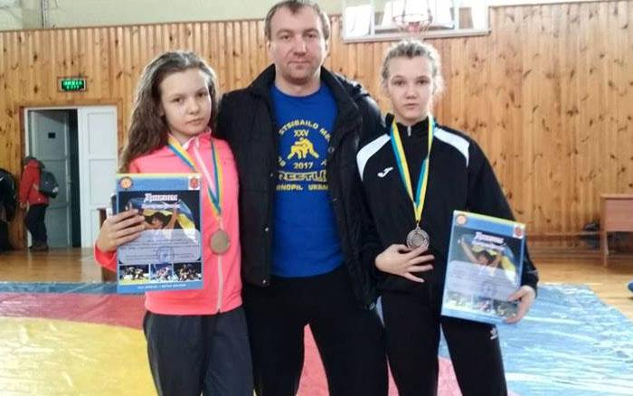 Сестри Кондратенко здобули медалі на Всеукраїнському турнірі з вільної боротьби