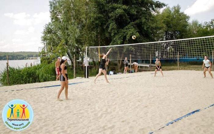 У Тернополі провели турнір з пляжного волейболу серед жінок