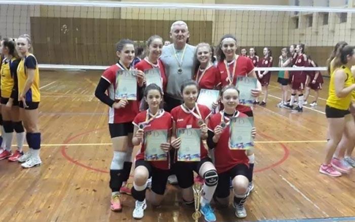 """Волейболістки """"Інваспорту"""" завоювали срібні медалі чемпіонату України"""
