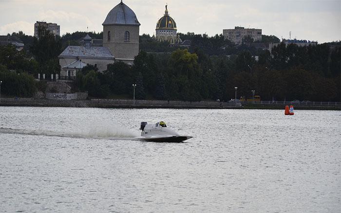 У Тернополі проведуть одразу три етапи Чемпіонату Світу з водно-моторного спорту