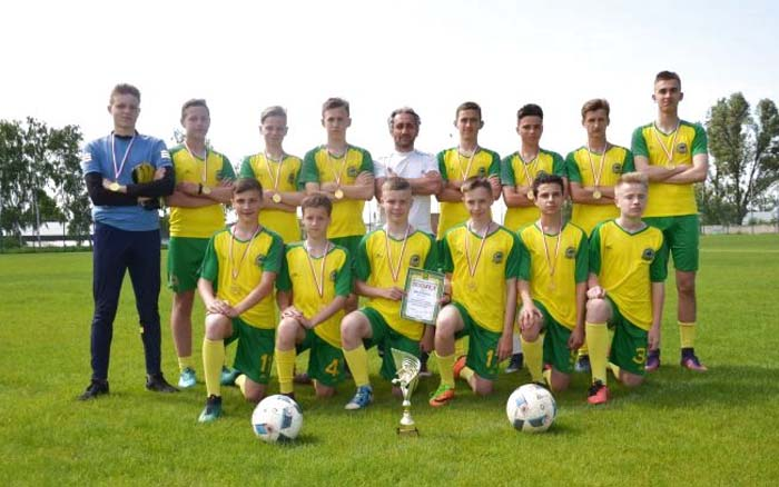 Тернополяни тріумфували у юнацькій лізі з футболу