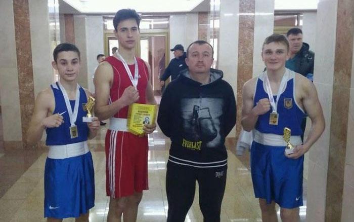 Два чемпіони та три призери: тернопільські боксери привезли перемоги з Рівного