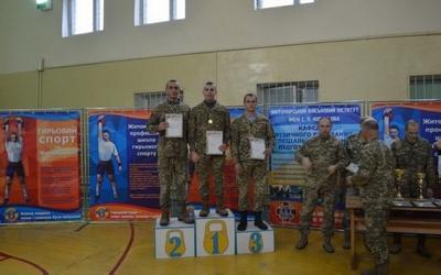 Майбутній військовий з Тернопіьщини — перший серед гирьовиків