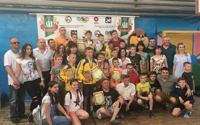 Тернопільські борці стали лідерами на всеукраїнському турнірі