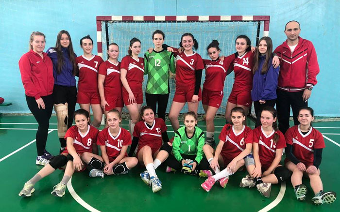 Тернопільські гандболістки обмінялись перемогами з київським ДЮСШ