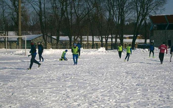 У Збаражі відбувся перший у 2018 році футбольний матч