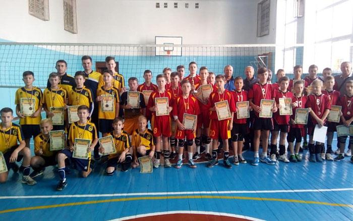 Юні бережанські волейболісти стали абсолютними чемпіонами області