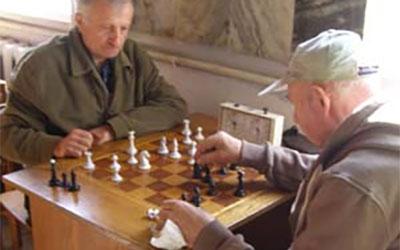 До Дня людей похилого віку у Тернополі провели змагання з шахів та шашок