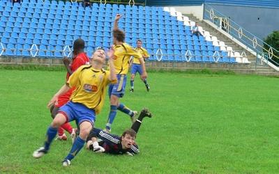 Огляд матчів чемпіонату області з футболу