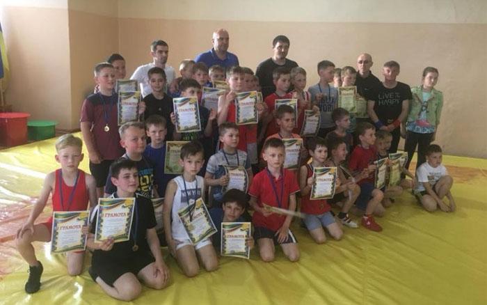 Майже три десятки борців Тернопільщини стали переможцями на Чемпіонаті міста
