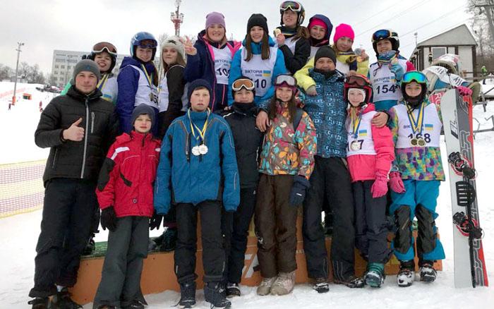 Юні тернополяни вибороли 17 медалей на Кубку України зі сноуборду