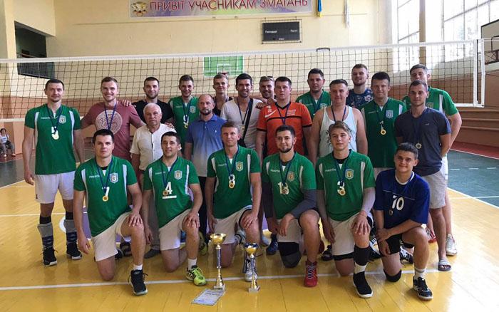 """Переможцями обласного чемпіонату з волейболу серед чоловіків стала команда """"Олімп"""" з Борщева"""