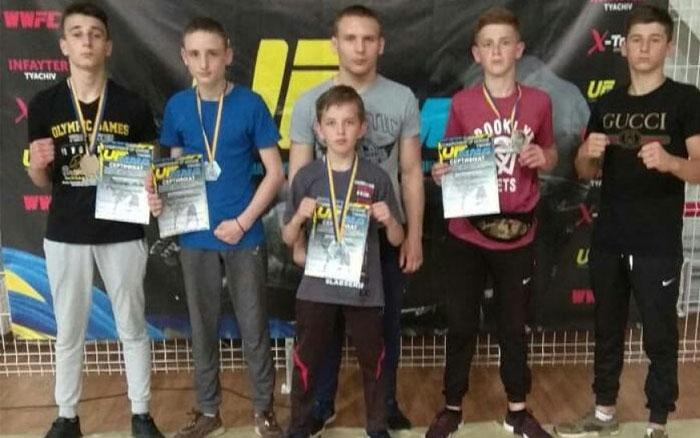 Тернопільські бійці одні за одними завойовували медалі на запеклому чемпіонаті України з ММА