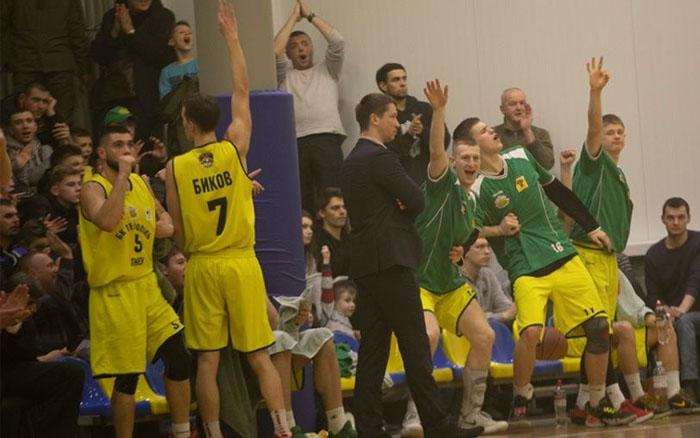 """БК """"Тернопіль"""" перемагає """"Рівне"""" і стає переможцем Західної конференції"""