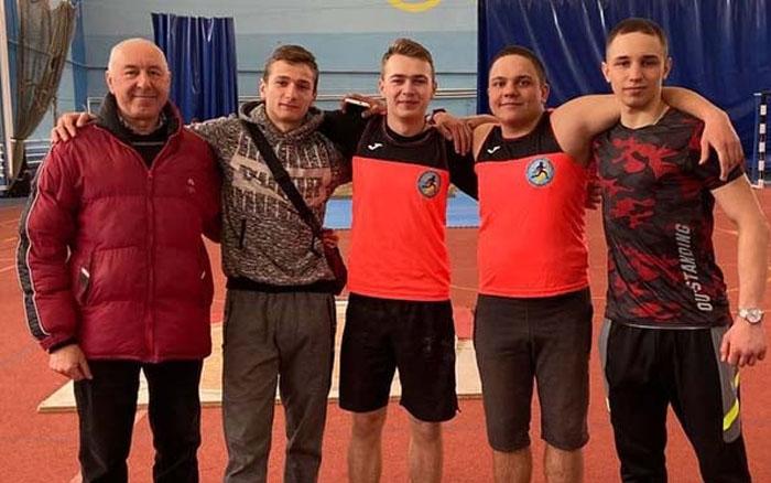 Тернопільські легкоатлети завершили у Львові зимовий сезон змагань дванадцятьма медалями