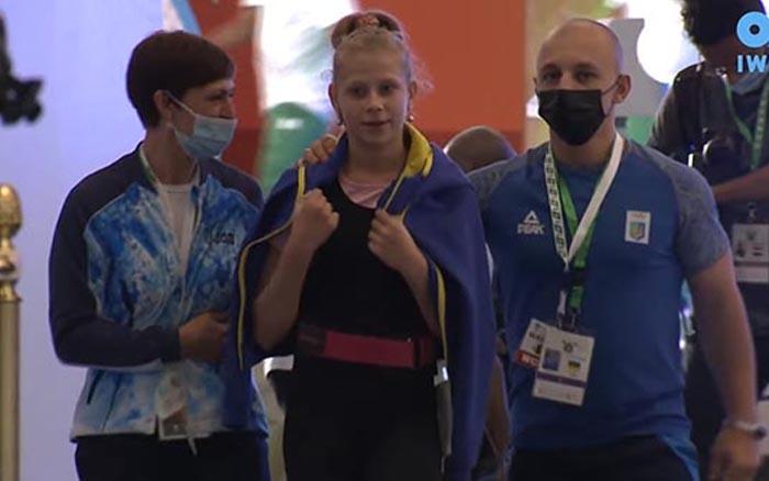 Юна важкоатлетка з Тернопілля Аліна Дадерко успішно виступила на чемпіонаті світу у Саудівській Аравії