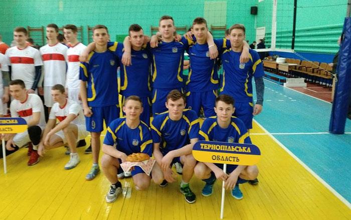 Учні Чортківського ВПУ стали учасниками Всеукраїнської Спартакіади з волейболу