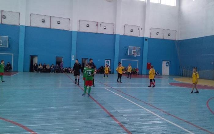 37 юнацьких команд вийшли на старт чемпіонат області з футзалу (U-13)