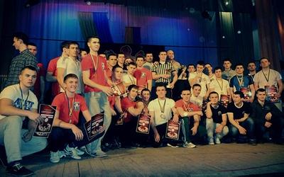 На чемпіонаті області з армспорту тріумфували кременецькі рукоборці