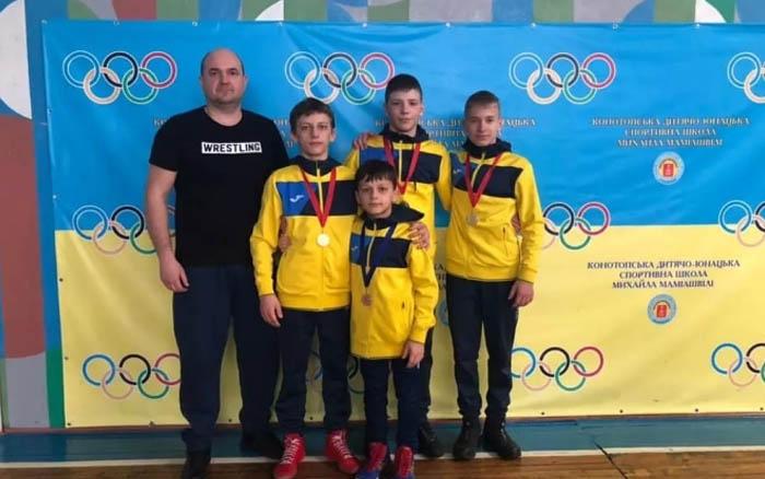 Тернопільські борці здобули чотири медалі на Міжнародному турнірі